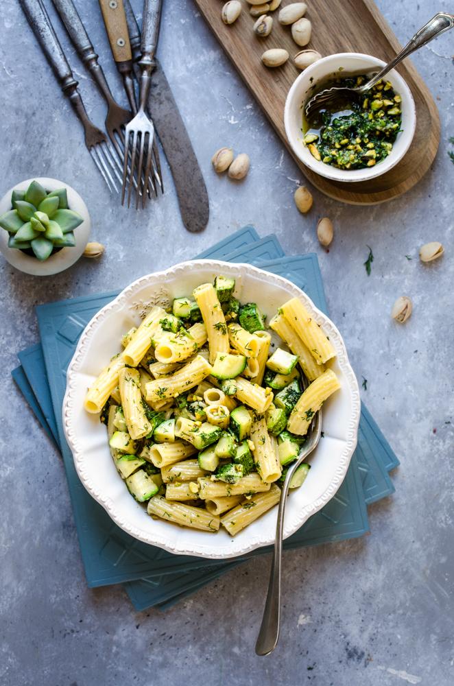 Tortiglioni al pesto di finocchietto selvatico e zucchine