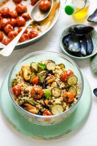 THE LUNCH BOX: Fregola con cozze, pomodorini confit e zucchine