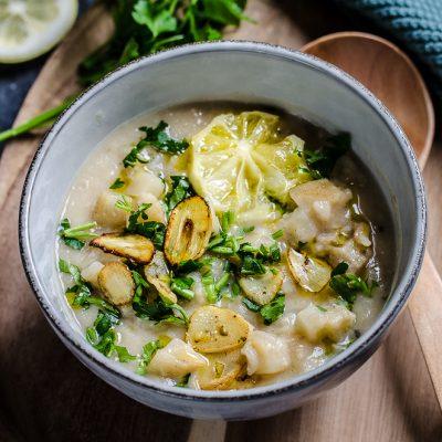 Zuppa di sedano rapa con riso e limone