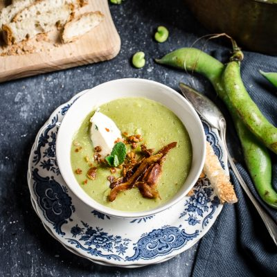 Zuppa di fave con crostini e pancetta