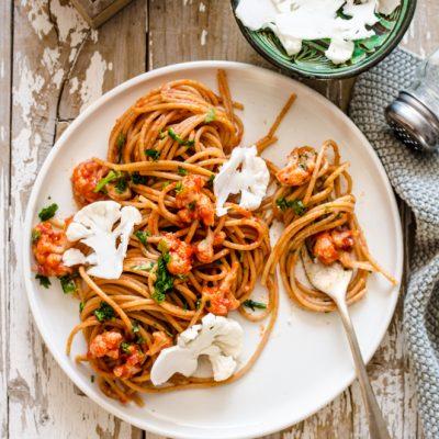 Spaghetti in rosso con cavolfiore