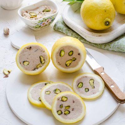 Limoni ripieni di tonno e pistacchi