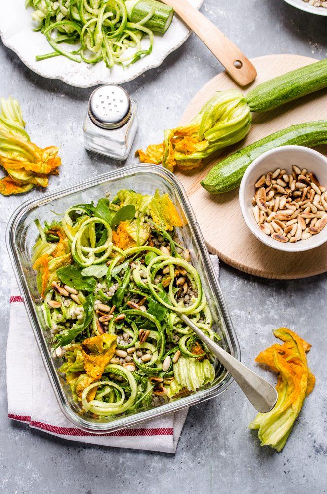 THE LUNCH BOX : Insalata di grano con zucchine e pinoli